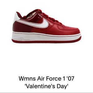 NIKE WOMEN'S AIR FORCE 1 (VALENTINES DAY)